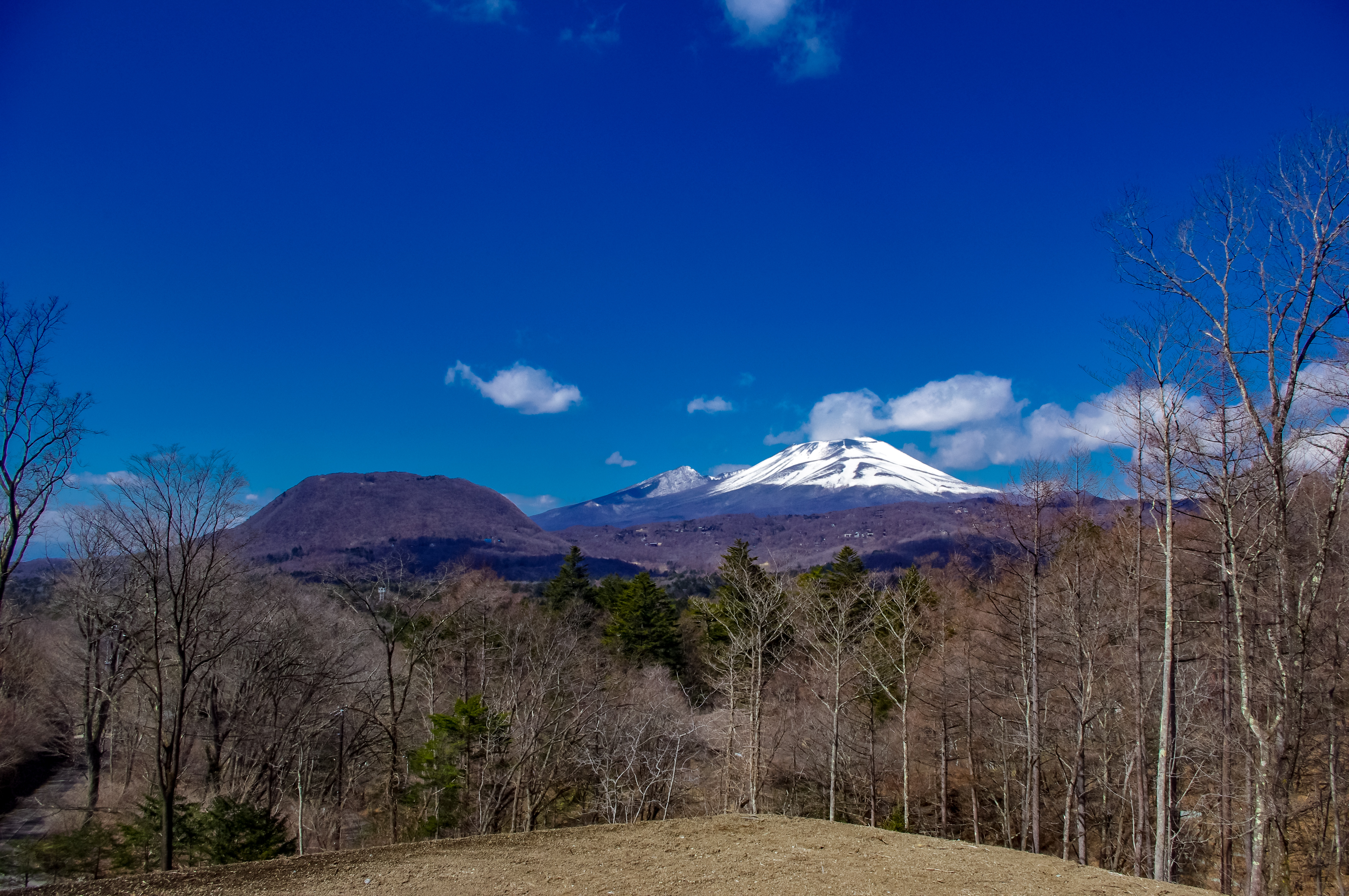 150 million yen,  Panoramic view of Mount Asama and remote mountains