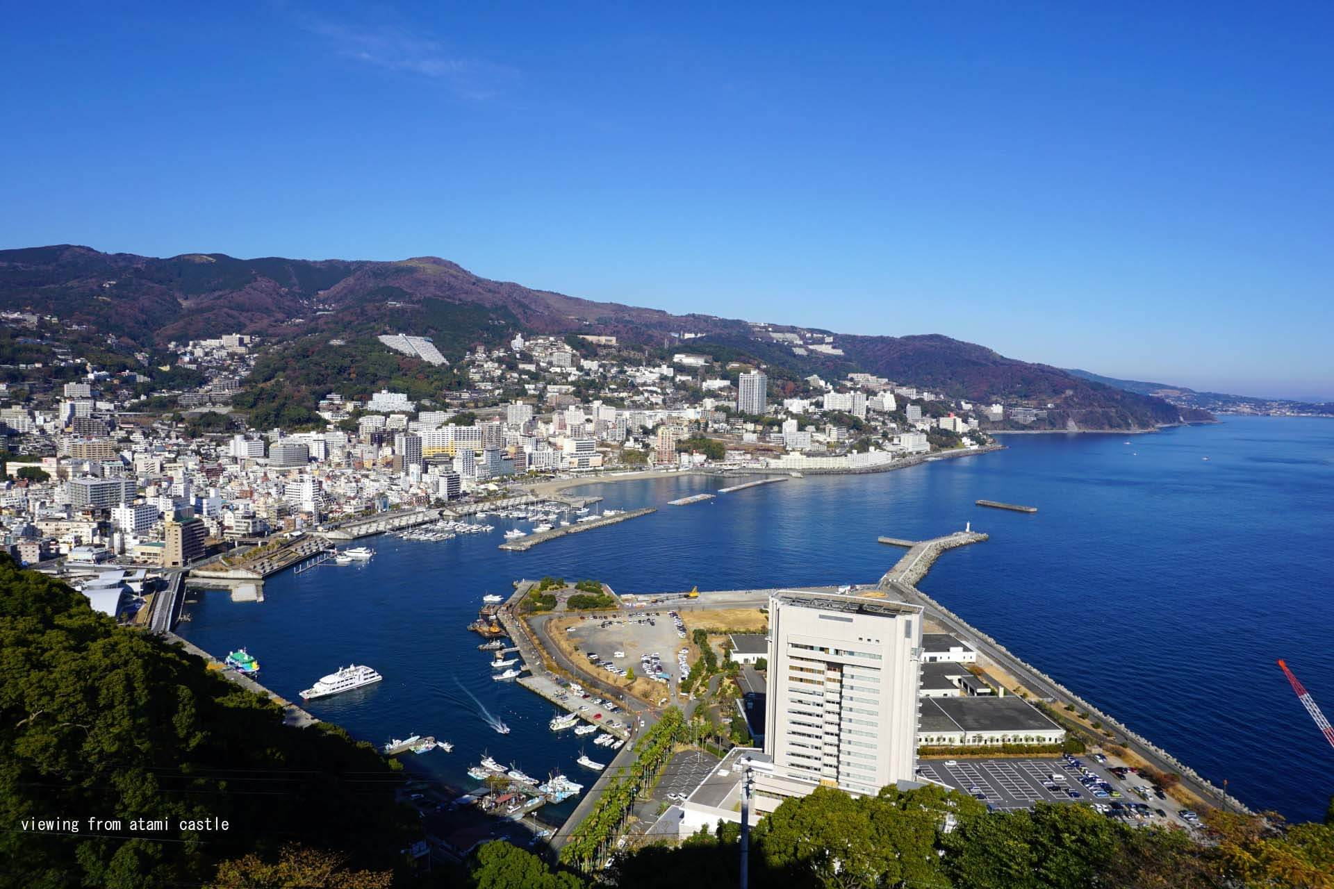 35.8 million yen [Izu]  Villa with an open-air bath with superb views, a fireworks display in Atami, Sagami Bay panoramic view